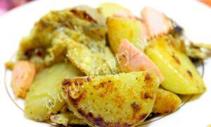 Картошка с яйцом и сосисками