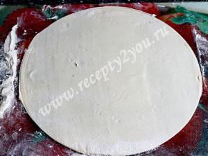 Пицца на слоеном тесте с курицей. Рецепт с фото 2