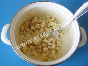Пышные оладьи на кефире с яблоками фото 7