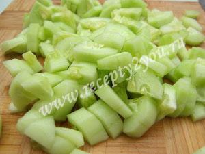 Салат из капусты помидоров и огурцов на зиму фото 3