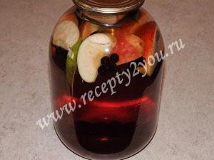 Компот из яблок и черноплодной рябины на зиму фото 4