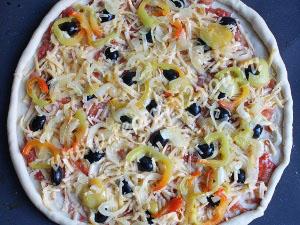 Овощная пицца на тонком тесте фото 14