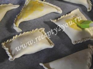 Хачапури с творогом из слоёного теста фото 9