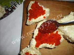 Закуска ко Дню Влюбленных - сердечки с красной икрой фото 11