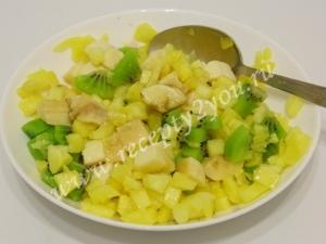 Фруктовый салат в ананасе фото 6
