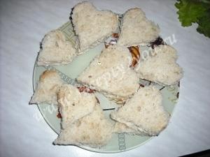 Закуска ко Дню Влюбленных - сердечки с красной икрой фото 7