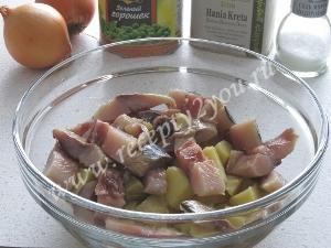 Салат с селедкой и картофелем фото 4