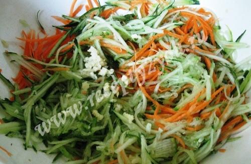 Морковь с огурцом по-корейски фото 2